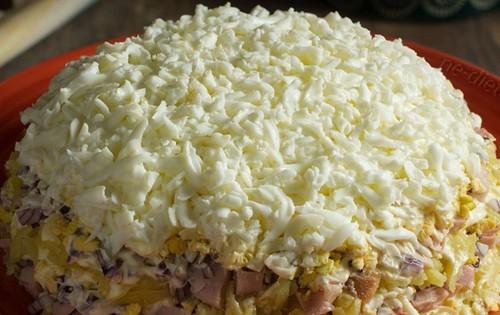 Салат Невеста с копченой курицей и плавленым сыром рецепт с фото